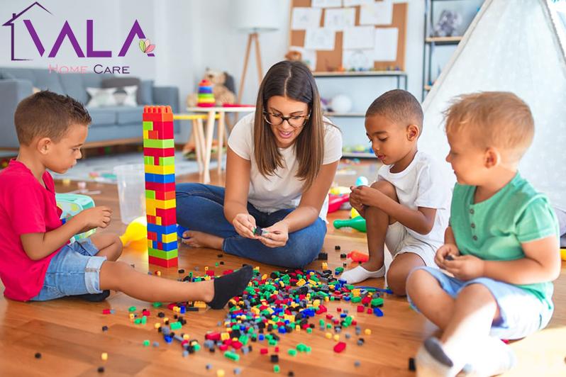 بازی درمانی با پرستار کودک در منزل